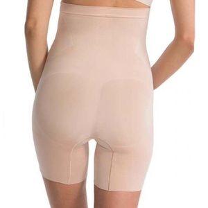 SPANX OnCore High Waist Mid Thigh Shaper Shorts!